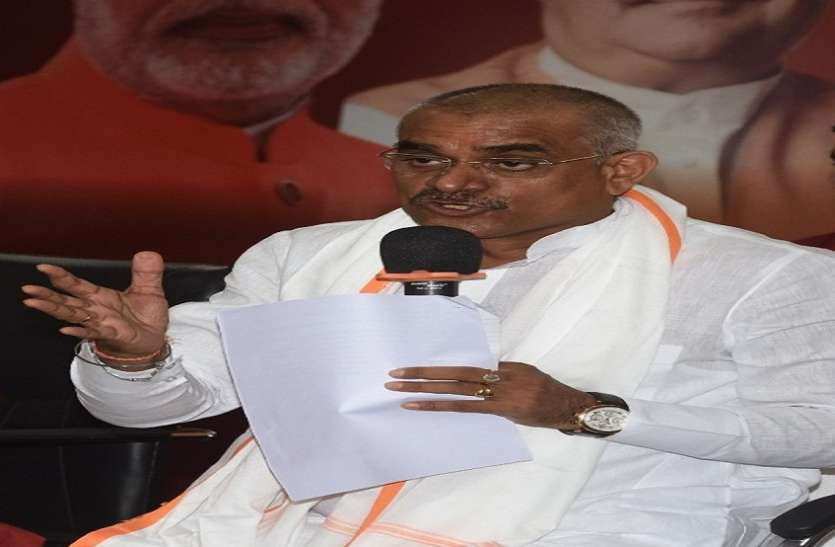 कमलनाथ पर चुनाव आयोग का फैसला दलित अस्मिता, नारी सम्मान के हक में: शर्मा