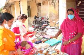 गांव की महिलाएं बनी आत्मनिर्भर,बनाए डिजाईनर दीपक शहर में बेच रही है (देखे वीडियो)