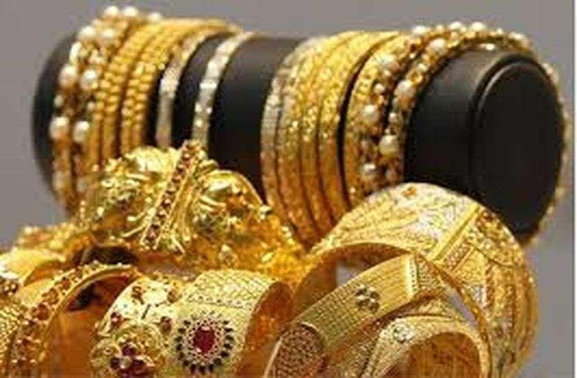 Shopping enthusiasm despite the rise in gold in bhilwara