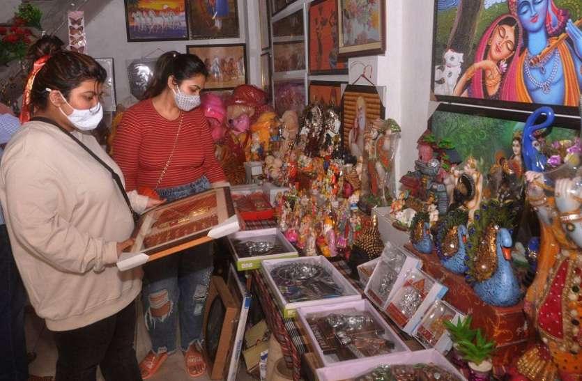 श्रीगंगानगर में दीपावली पर पहली बार चाइनीज पर स्वदेशी आइटम हावी