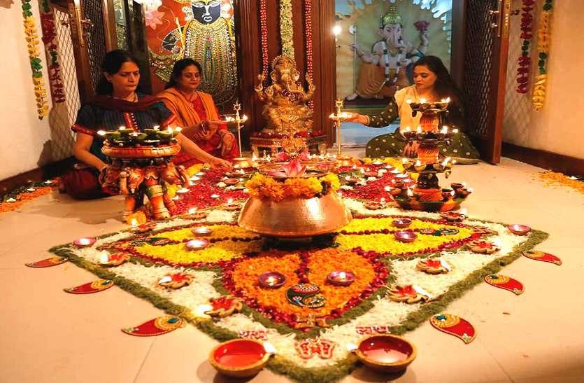 17 साल बाद दिवाली पर सर्वार्थ सिद्धि योग, शुभ मुहूर्त में पूजा से घर में होगी धन की वर्षा
