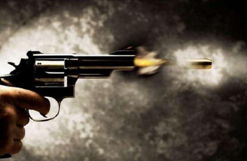 हैड कांस्टेबल को डकैत मुकेश ठाकुर गिरोह से मारी गोली