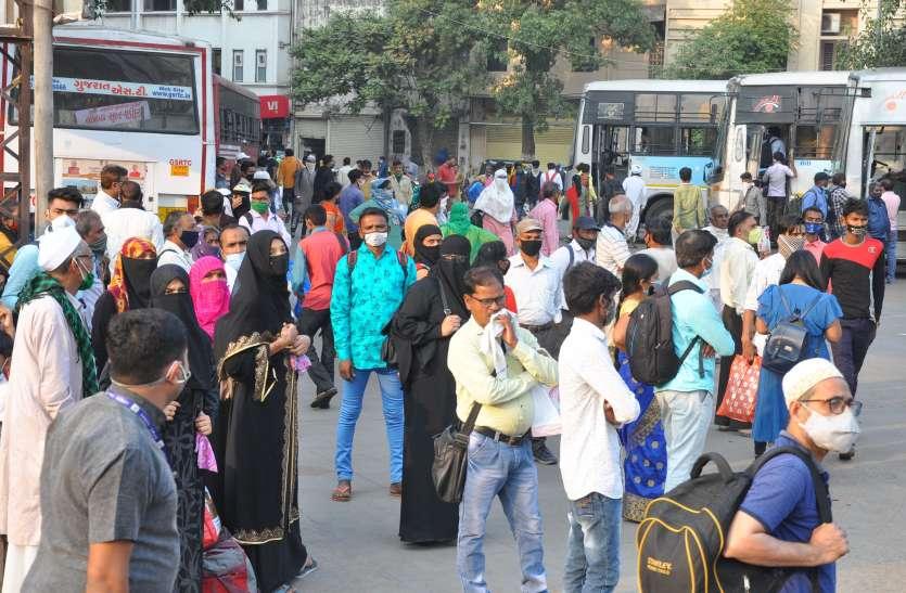 सौराष्ट्र और उत्तर गुजरात के प्रवासी एसटी बसों में दीपावली मनाने रवाना हुए