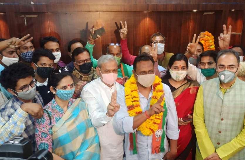 भाजपा नेताओं पर कोरोना का साया, उप महापौर कर्णावट भी कोरोना पॉजिटिव