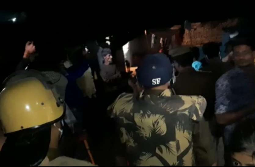 कानपुर के जाजमऊ में तनाव -  सांप्रदायिक तनाव के बीच पुलिस की कड़ी कार्रवाई