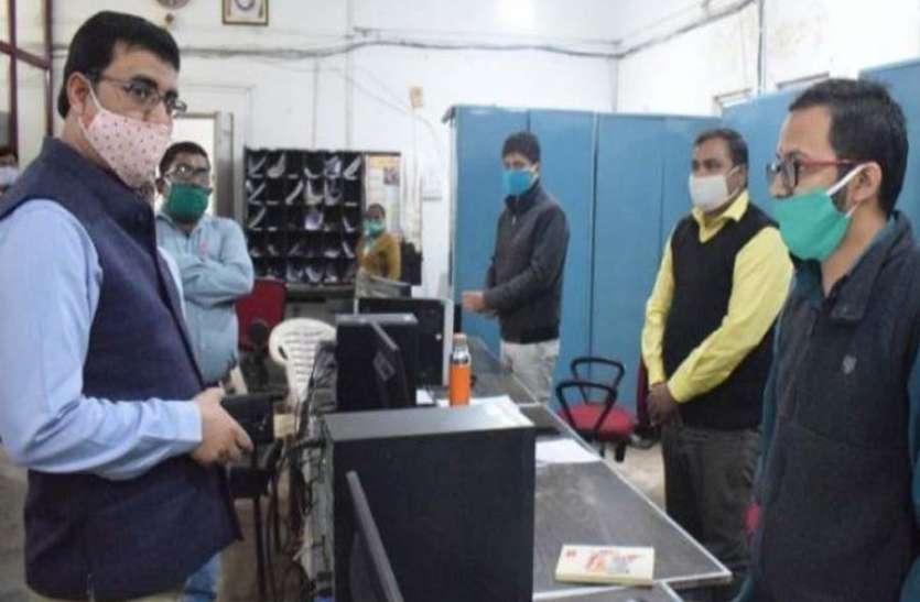 हाईटेक हुए डाकिये, कोरोना काल में डाक विभाग ने निभाई अहम भूमिकाः कृष्ण कुमार यादव