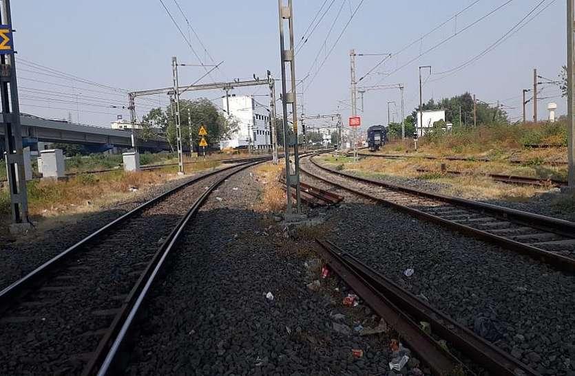 यात्रियों की सुरक्षा खतरे में...अहमदाबाद-पुरी स्पेशल में लूट, श्रमिक ट्रेन में प्रयास, जवान घायल