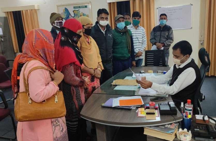 मदरसा पैरा टीचर्स को नियमित व उर्दू विषय के पद सृजित करने की मांग