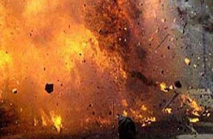 West Bengal:मालदह विस्फोट:एसटीएफ के अशिकारियों ने घटनास्थल का मुआयना किया
