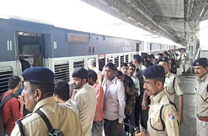 रेलवे इन स्टेशनों के लिए अहमदाबाद से दौड़ाएगा ट्रेनें...???