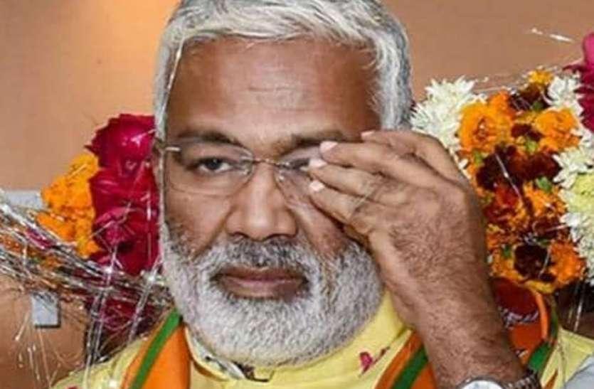 कांग्रेस पर बरसे स्वतंत्र देव सिंह कहा, इनका चेहरा बेनकाब करें भाजपा कार्यकर्ता