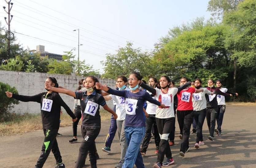पूर्व गणतंत्र दिवस परेड शिविर 2020 (मध्य क्षेत्र) में चयन से पहले यहां आईं बालिका स्वयंसेवकों ने भी परेड व अन्य सांस्कृतिक गतिविधियों में भाग लिया।