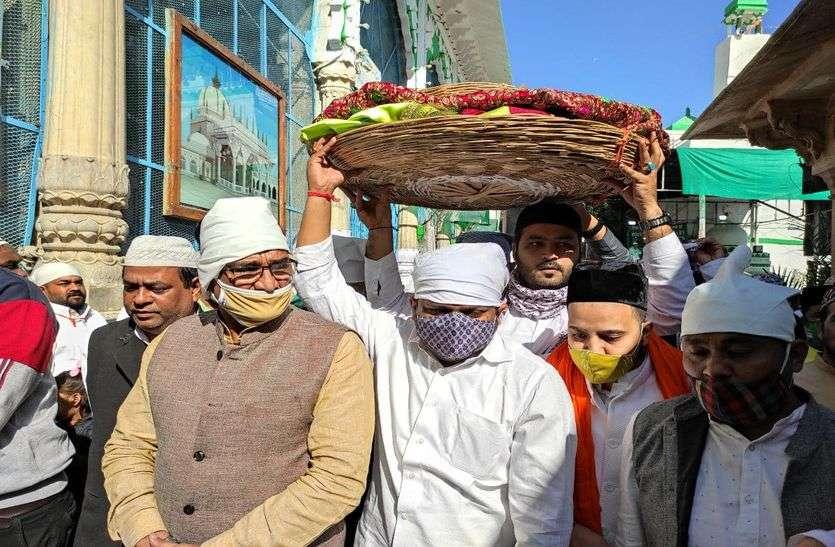 Ajmer Dargah News : रोक के बावजूद हार्दिक ने दरगाह में चढ़ाई चादर!