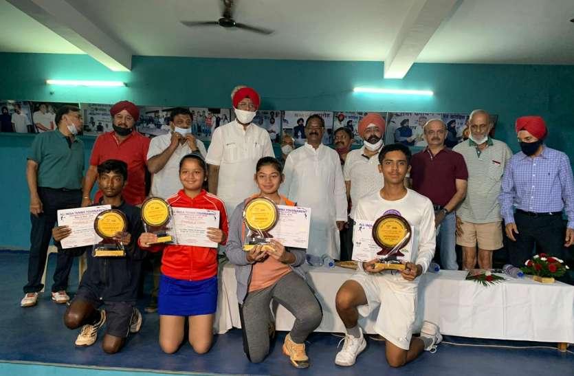 ऑल इंडिया अंडर-14 टेनिस टूर्नामेंट: प्रथम वरीय समप्रीत विजेता, बालिका वर्ग में नंदिका उलटफेर का शिकार