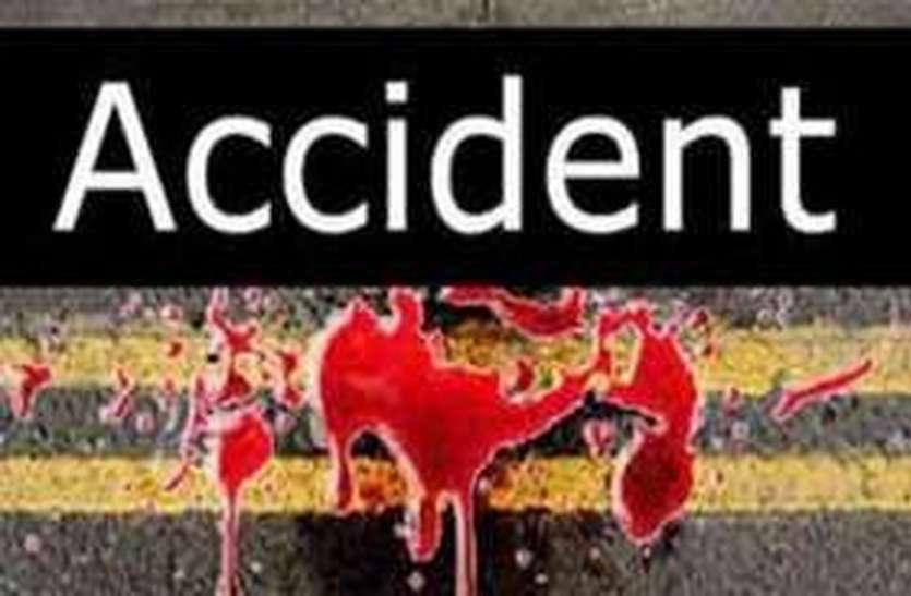 कार को टक्कर मारने के बाद जब चलते ट्रक से कूदकर भाग गया चालक, तो ट्रक ने मचाया इतना कोहराम