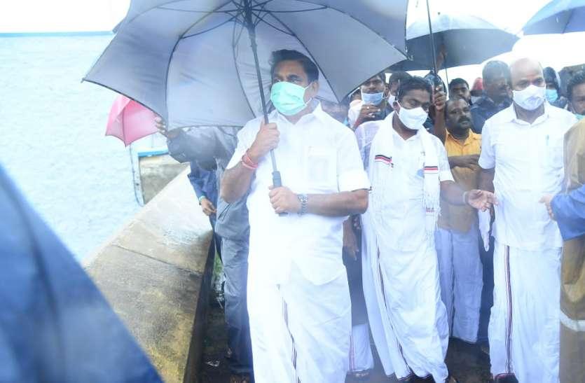 CycloneNivar के चलते तमिलनाडु के इन 13 जिलों में कल अवकाश घोषित