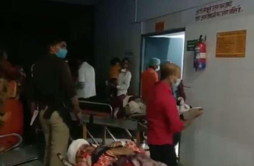 डग्गामार ऑटो और ट्रक में भिड़ंत, 22 सवारियां घायल, 11 गंभीर