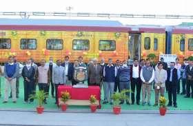 आधुनिक रेल डिब्बा कारखाना ने भारतीय रेल का पहला 160 किमी/घंटा की गति से चलने वाला शयनयान स्मार्ट तेजस रेक बनाया
