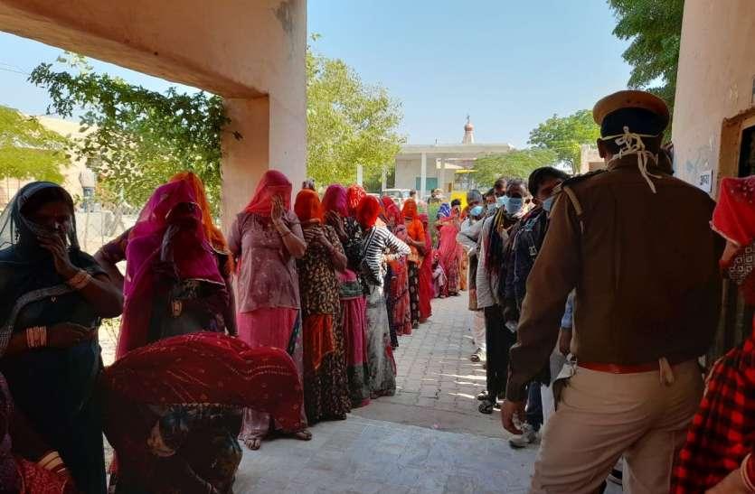 पंचायत चुनाव में मतदान में पुरुषों से पीछे रह गईं महिलाएं