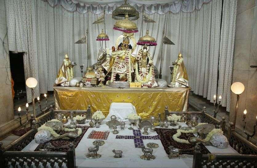 गोविंददेवजी के सजी रास झांकी