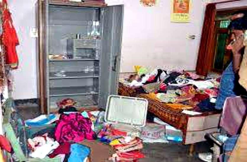 भिलाई: एक ही रात में दुकान और घर का ताला तोड़कर चोरों ने लाखों रुपए की ज्वेलरी पर किया हाथ साफ, घूमने गया था परिवार