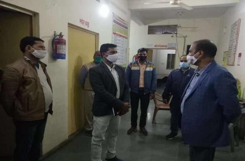 कार्यभार ग्रहण करने के बाद एक्शन में अलवर के नए जिला कलक्टर, एक के बाद एक व्यवस्थाओं का औचक निरीक्षण किया