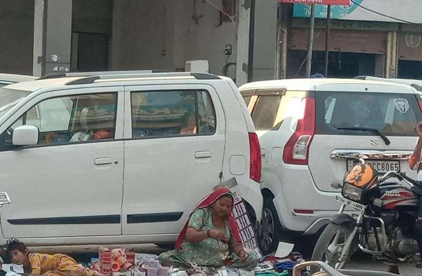 श्रीगंगानगर में चूड़ी बेचने वाली महिलाओं पर एफआईआर
