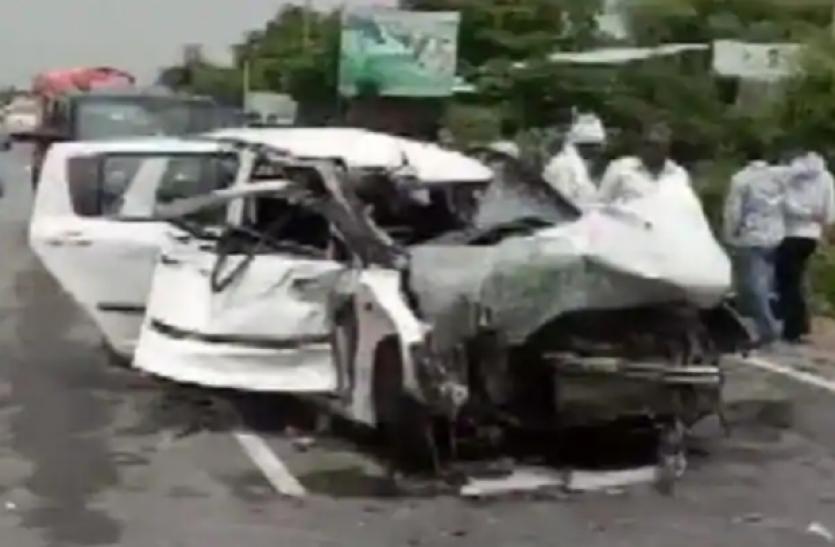 Telangana : रंगारेड्डी कार दुर्घटना में एक ही परिवार के 6 सदस्यों की मौत, 5 घायल