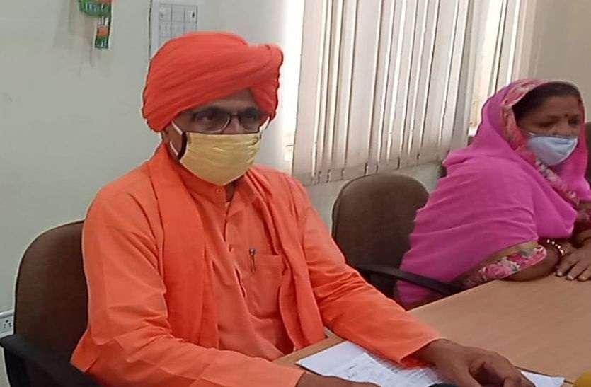 Sumedhanand Saraswati: 'तमतमा' गए सीकर सांसद सुमेधानंद, दे डाली आंदोलन की चेतावनी!