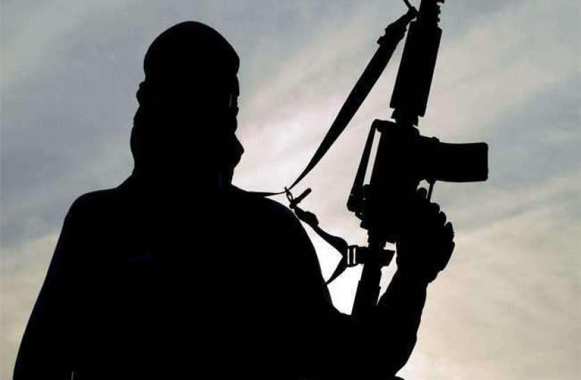 Jammu kashmir : PDP नेता के घर पर आतंकी हमला, घायल पीएसओ को अस्पताल में किया भर्ती