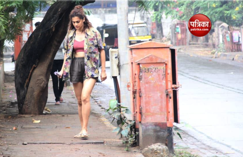 Taapsee Pannu spot on during a film shoot in Bandra, Mumbai