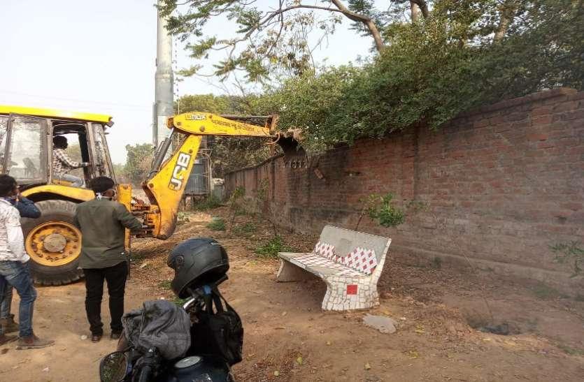 अवैध निर्माण हटाकर 55 हजार वर्ग फीट जमीन करवाई खाली