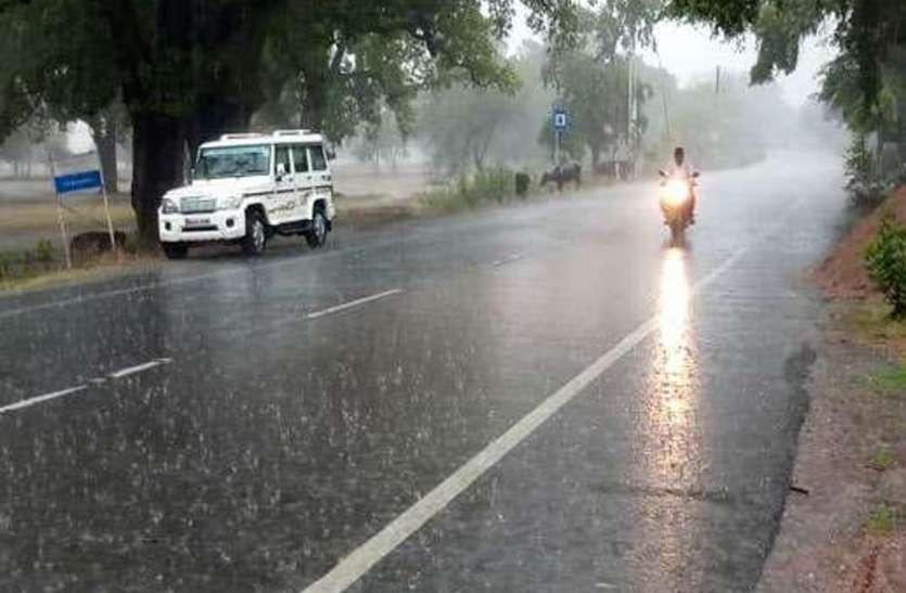 यूपी में झमाझम बारिश, प्रतापगढ़ के कुण्डा में रिकार्ड 24 सेमी. बारिश