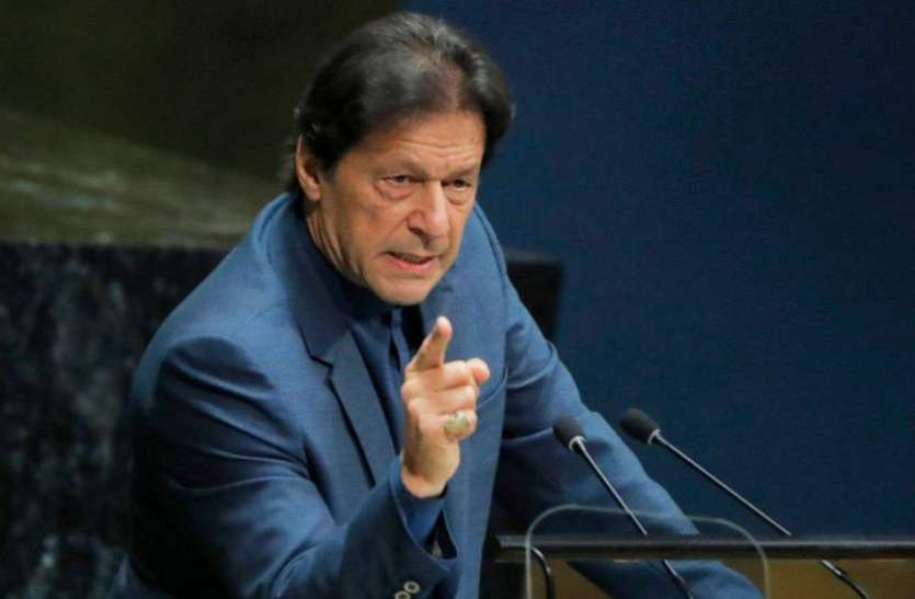 Pakistan: PDM के तेवर से बौखलाए इमरान खान, कहा- मेरे अधीन काम करती है सेना