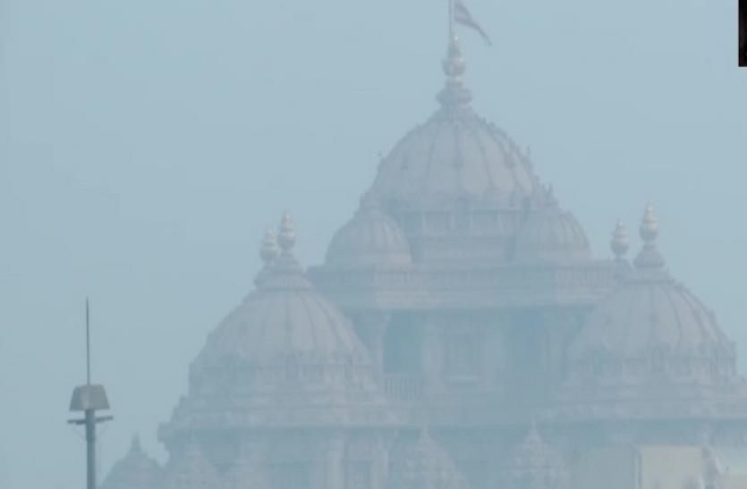 दिल्ली एनसीआर में ठंड का कहर जारी, कई इलाकों में भारी कोहरा