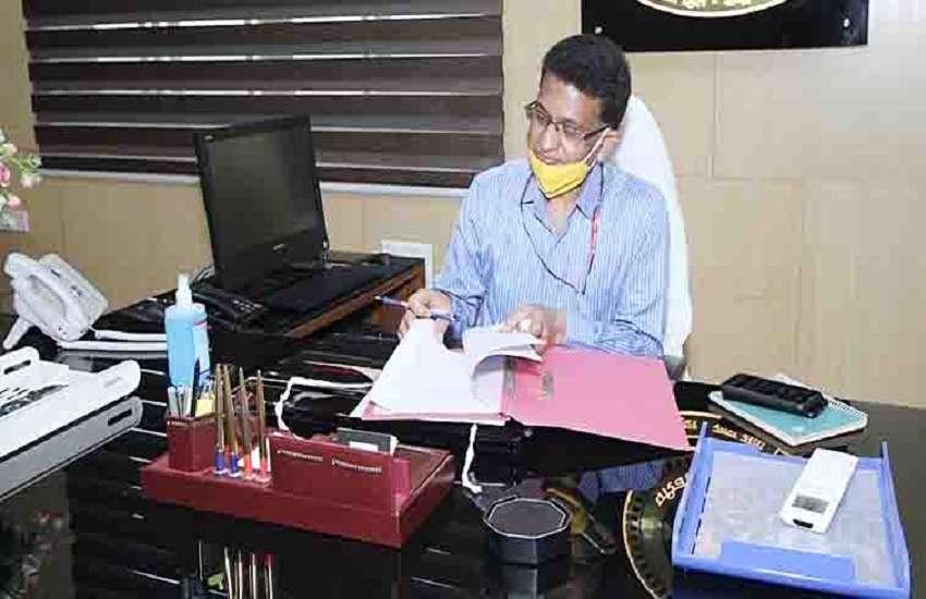 परिवहन आयुक्त मुकेश कुमार जैन