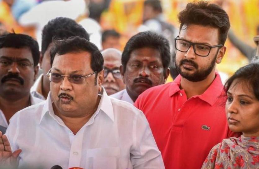 Tamilnadu : छोटे भाई स्टालिन के खिलाफ सियासी मैदान में उतर सकते हैं एमके अलागिरी
