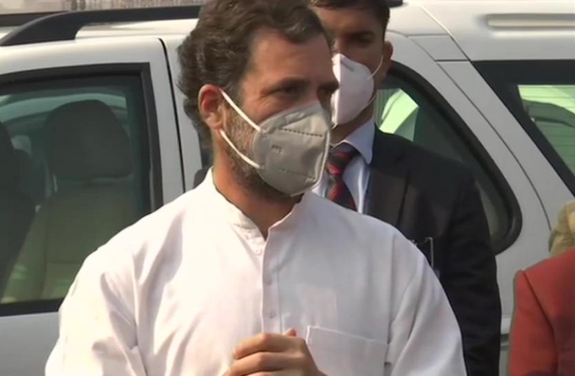 राष्ट्रपति को ज्ञापन सौंपने के बाद राहुल गांधी बोले - देश में नहीं है लोकतंत्र, कांग्रेस किसानों के साथ