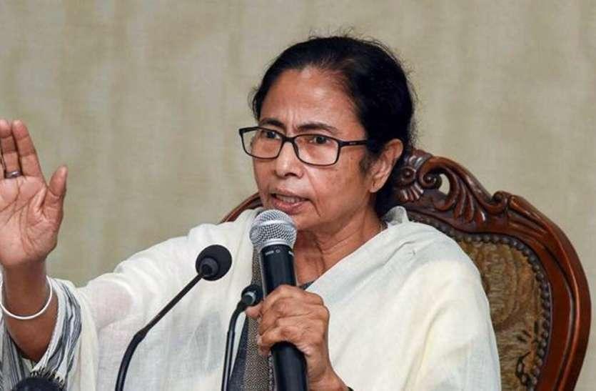 West Bengal: अमित शाह के बाद बोलपुर में ममता बनर्जी  ने किया रोड शो