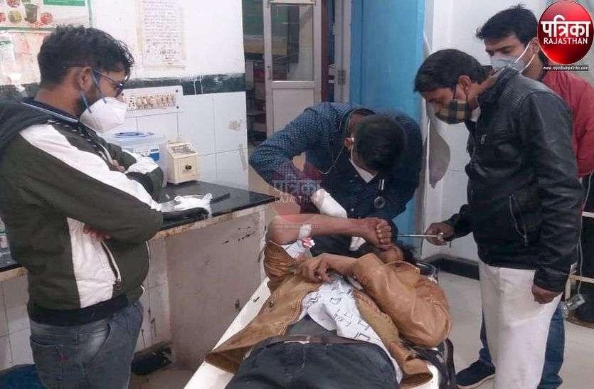 पाली : बोलेरो ने बाइक को मारी टक्कर, तीन घायल