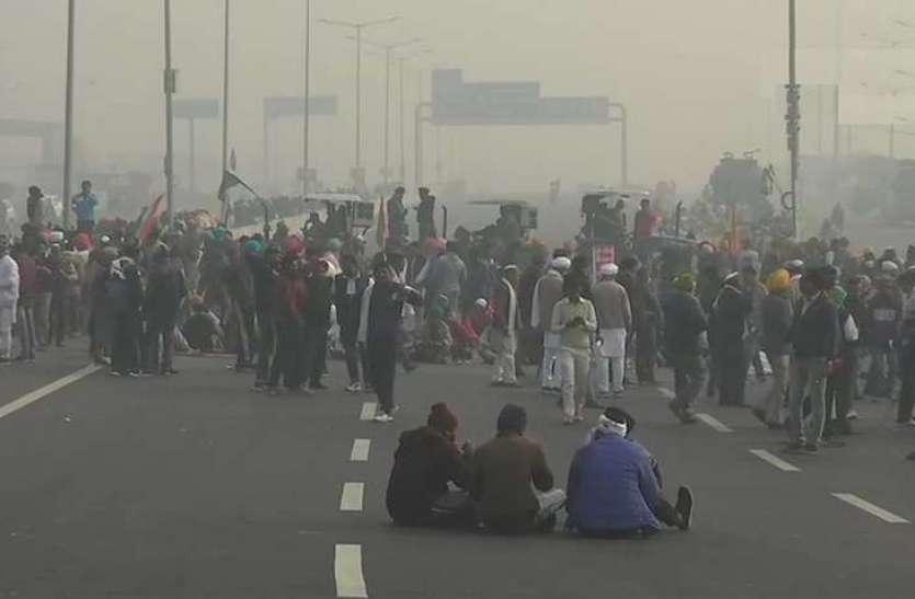 किसानों ने पुलिस पर लगाया उत्पीडन का आरोप, बोले- 1 जनवरी से यूपी के थानों में बांध देंगे पशु