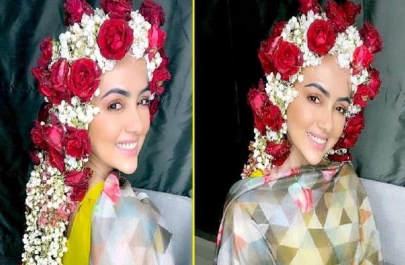 निकाह के बाद की Sana Khan ने शेयर की फोटोज, बालों में लगाए गुलाब और मोगरे के फूल