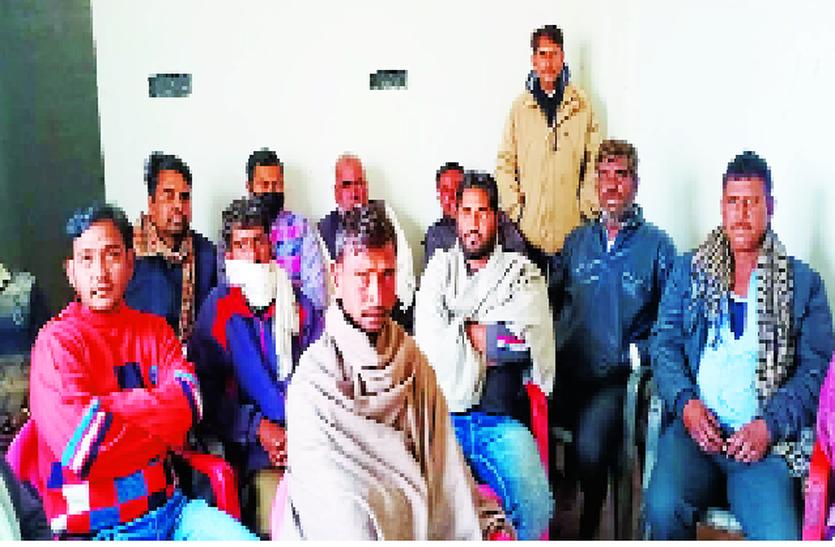 farmers - सरकार किसानों की समस्या का शीघ्र करे समाधान