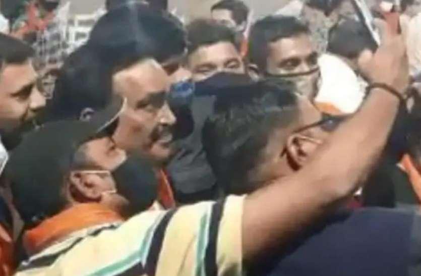 OMG : जानिए कहां भाजपा के कार्यक्रम में उमड़ी कार्यकर्ताओं की भीड़, कोविड नियमों की उड़ी धज्जियां