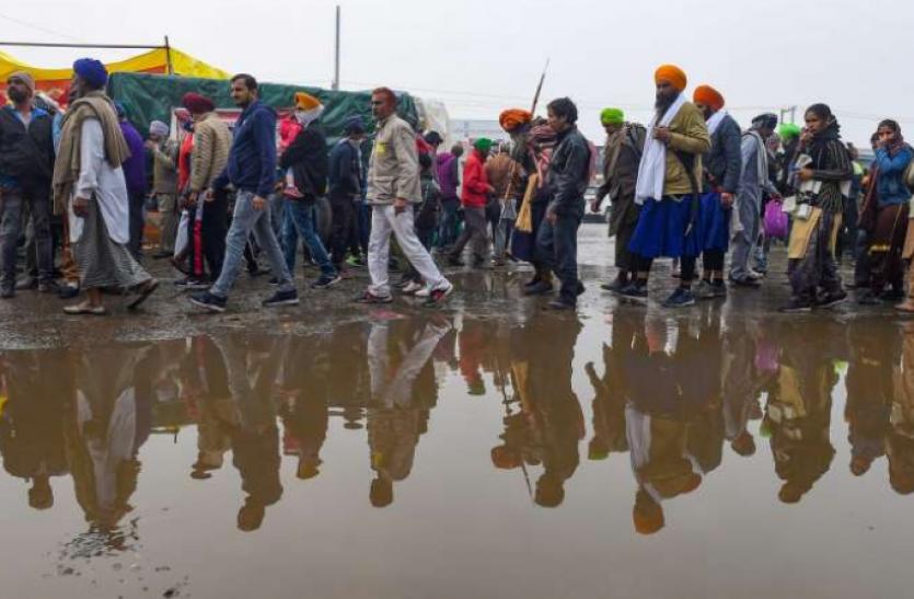 Farmer Protest : बारिश के बाद जलभराव ने बढ़ाई किसानों की परेशानी