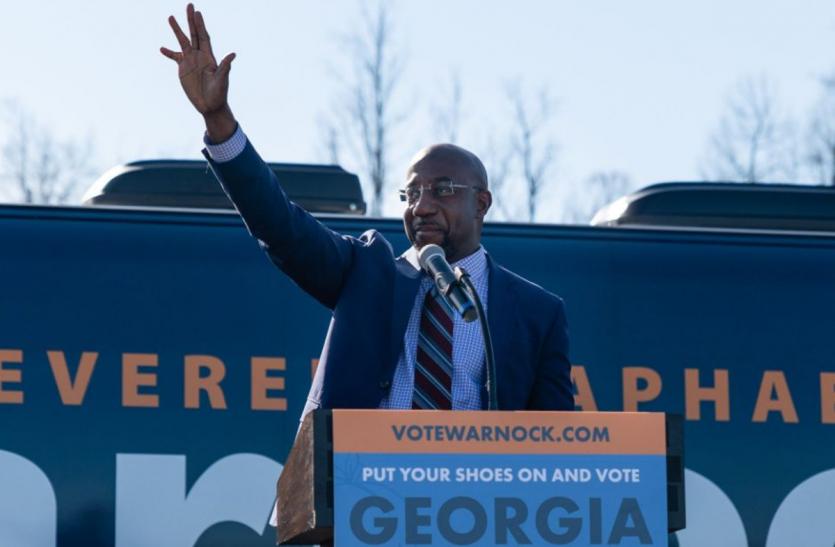 अमेरिका चुनाव - डेमोक्रेटिक पार्टी ने जॉर्जिया में 1 सीनेट सीट जीती, दूसरी पर बढ़त बनाई