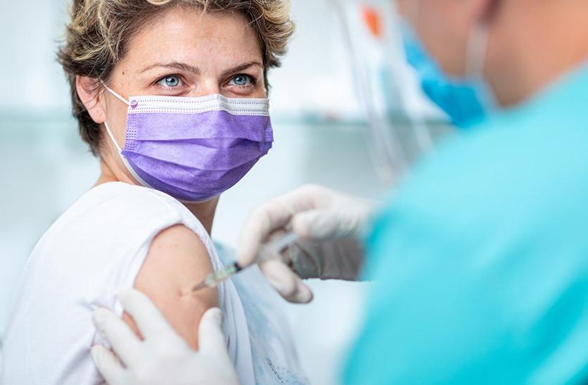 चीन देशभर में नि:शुल्क लगाएगा कोरोना का टीका