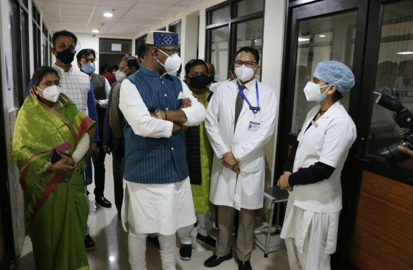 कोविड 19 स्वास्थ्य कर्मियों को मिले सरकारी योजनाओं का लाभ
