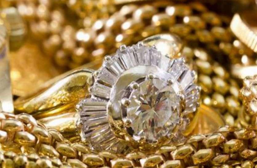 सोने-चांदी की कीमत में फिर भारी गिरावट, जानें कहां मिल रहा सबसे सस्ता सोना