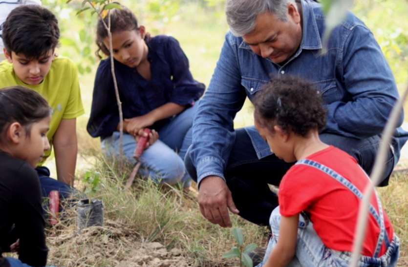 कोरोना काल में नहीं डिगा पीपल बाबा का हरियाली फैलाने का हौसला, इस साल के लिए बड़ा संकल्प